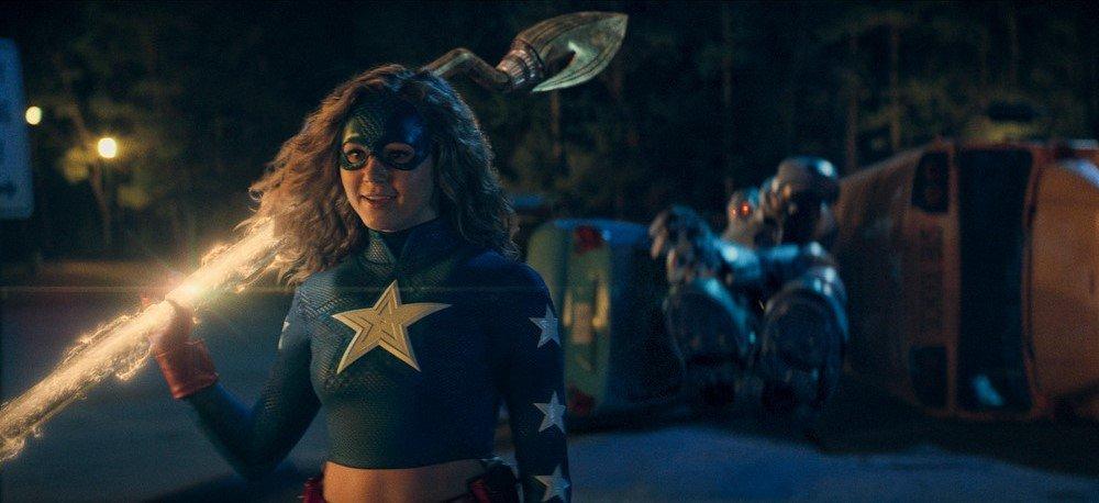 Stargirl renueva por una segunda temporada y pasará a ser exclusiva de CW