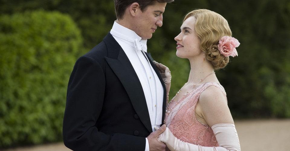 Movistar+ nos traerá la serie de época A la caza del amor, protagonizada por Lily James